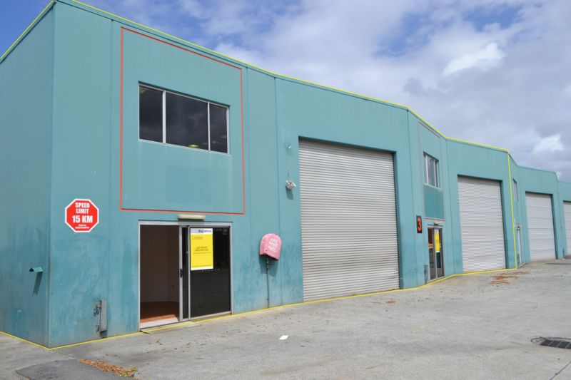 Prime Location 325m²* Warehouse For Immediate Lease!