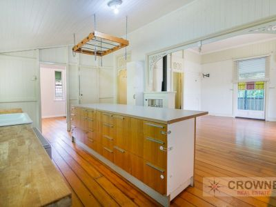 Character Home - 809m2 Corner Block - Backyard Access - Great Opporunity to Add Value