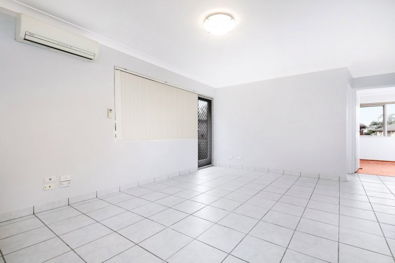 Renovated 2 Bedroom Unit with Lock Up Garage