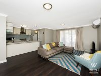 Modern Villa - Close Proximity to Cafe Strip