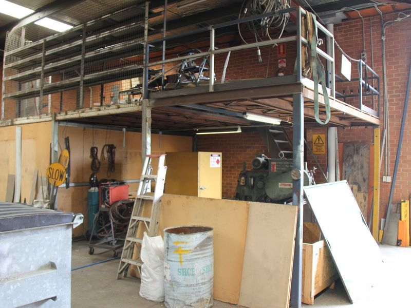 Conveniently Located Industrial Unit