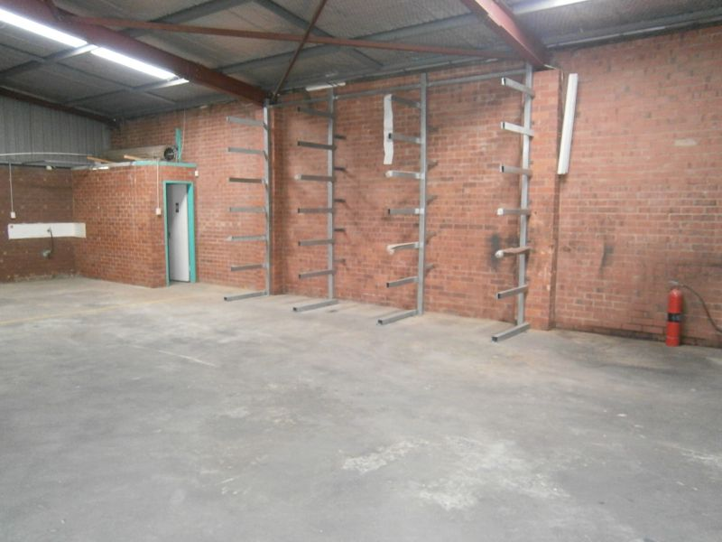 MADDINGTON FACTORY - FIRST MONTH RENT FREE*