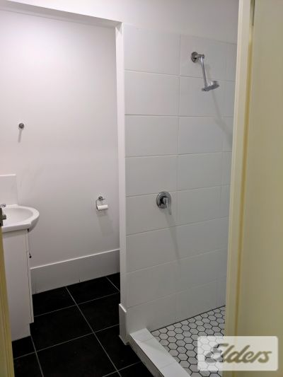 NEWLY RENOVATED, HIGH END FITTINGS!