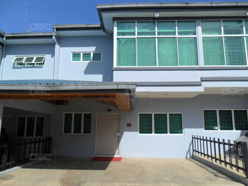 OA590: Paradise Palms Apartments