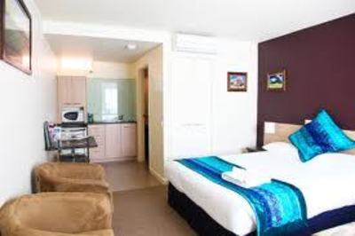 Well Located Serviced Apartments in Melbourne CBD - Ref: 2994