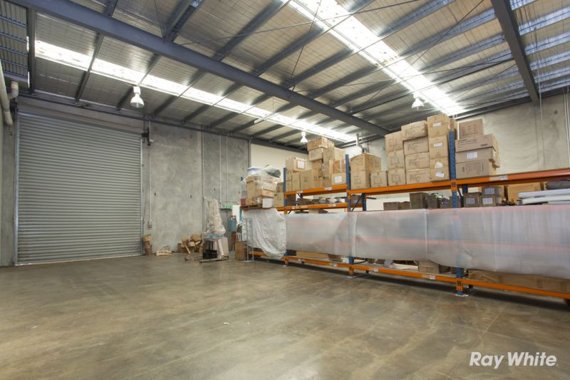 Modern Warehouse/Office with Street Frontage!
