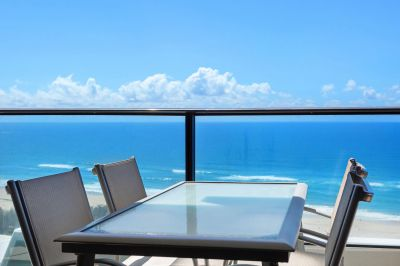 STUNNING VIEWS IN LUXURIOUS ORACLE TOWER 1 - 1brm plus study or 2nd bedroom