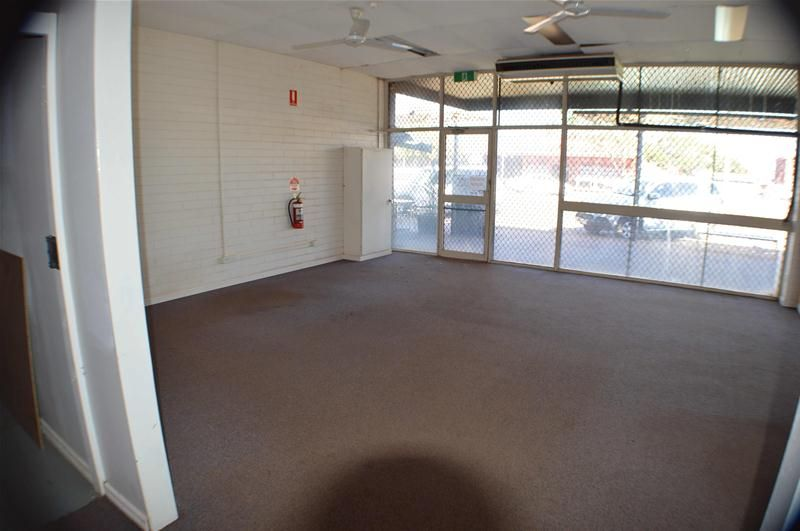 GREAT WEDGE ST RETAIL/OFFICE OPPORTUNITY!!