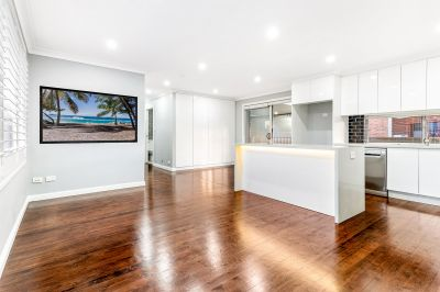 MODERN, PRIVATE AND SPACIOUS INCLUDING HUGE PRIVATE COURTYARD