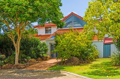 Large Family Home in Tranquil, Secure Estate Must be Sold!