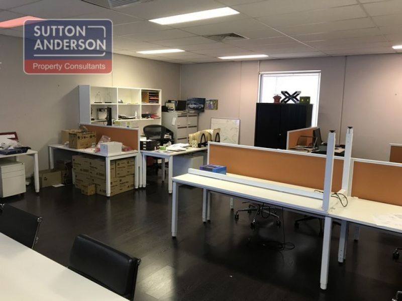 Modern High Tech Office/Warehouse In Sort After Complex - 353sqm