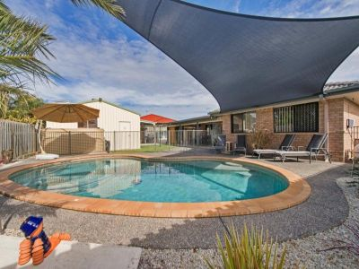 SUBURBIA AT ITS BEST - OUTBACK SPECTACULAR