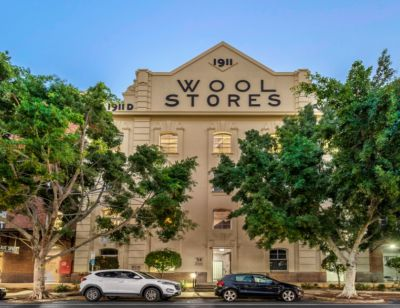 EXTREMELY RARE GROUND FLOOR WOOL STORES OPPORTUNITY!