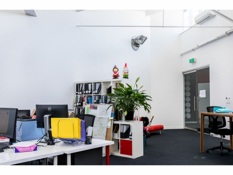 Ground Floor Office in Teneriffe Woolstore - Parking available