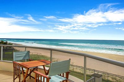 Absolute Beachfront 352m2 Penthouse style residence