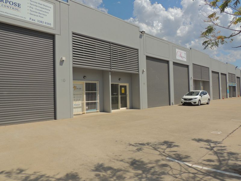 151m2* Warehouse With Rear Yard