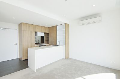 Grosvenor Pearl: Modern and Spacious Two Bedroom!