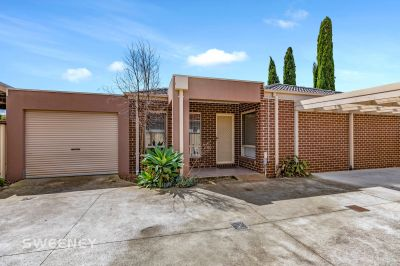 Great Investment Opportunity With Dual Rental Income Potential