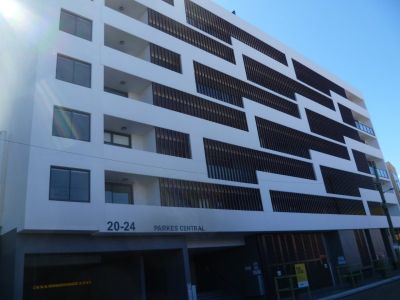 One Bedroom Apartment in the Heart of Parramatta - Short Walk to Train Station & Parramatta Westfield Shopping Mall