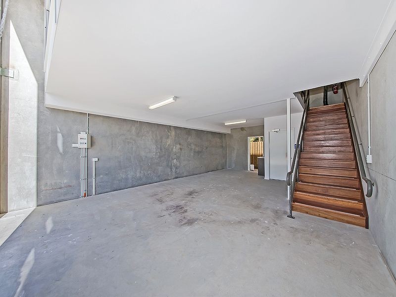 Fitted Out Tingalpa Office / Warehouse
