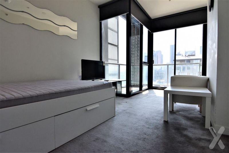 Studio Price With Penthouse Views!