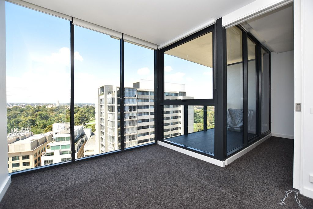 Marvellous Modern Living - Only Moments From All The Very Best Melbourne Has To Offer!