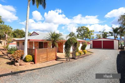 COMFORTABLE LIVING ON 1214m2 WITH SHED AND VIEWS!
