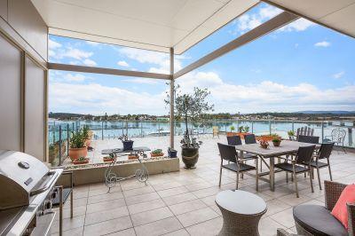 Luxurious Penthouse with Panoramic Views