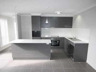 Stylish Pet Friendly Townhouse, Not to be missed!