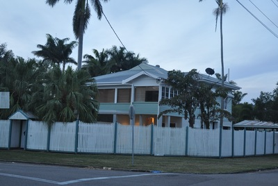 QUEENSLANDER WITH LARGE SLEEP OUT