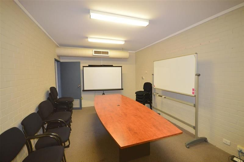 Free Standing Office with Garaging