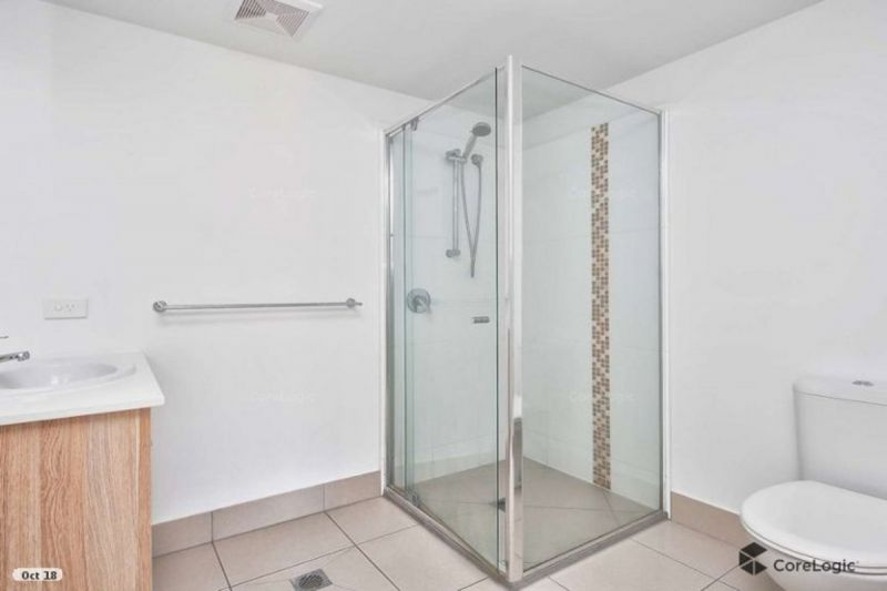 3 Bed As New Unit in Great Location