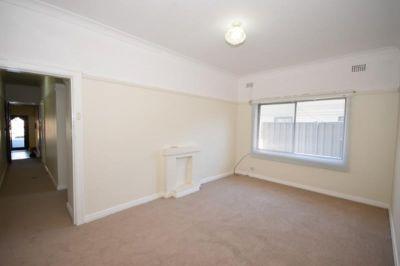 One Bedroom Ground Floor Flat - Convenient Location