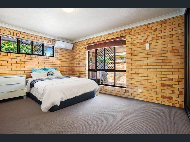 Private Rentals: 19 Aruma Ave, Burleigh Waters, QLD 4220