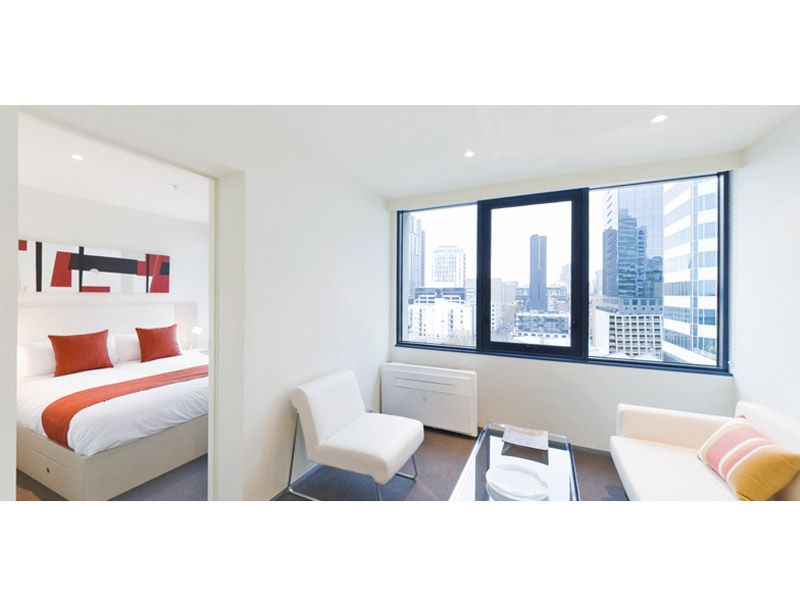 City Tempo: Stunning, Fully Furnished One Bedroom Apartment in the Heart of Melbourne! L/B