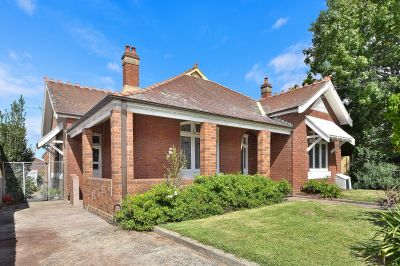 Beautiful Federation Home, Ideally Located in 'Malvern Hill Estate'