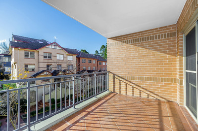 27/8 Williams Parade, Dulwich Hill