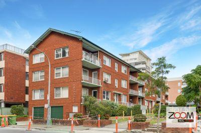 Ground floor apartment + Fantastic location!!!