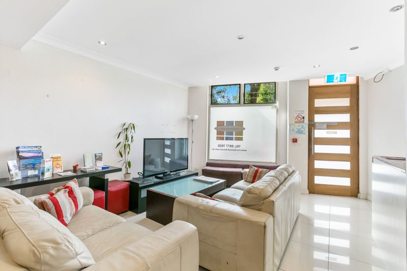 BOUTIQUE FREEHOLD HOTEL STYLE ACCOMODATION & CAFE OPPORTUNITY
