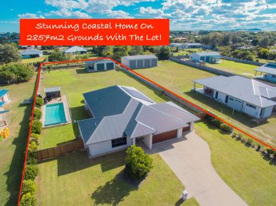 STUNNING COASTAL PROPERTY ON 2,857M2 WITH POOL, SOLAR & HUGE SHED!
