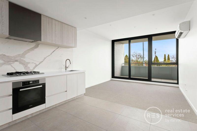 2-bedroom apartment with generous balcony – Entertainer's dream!
