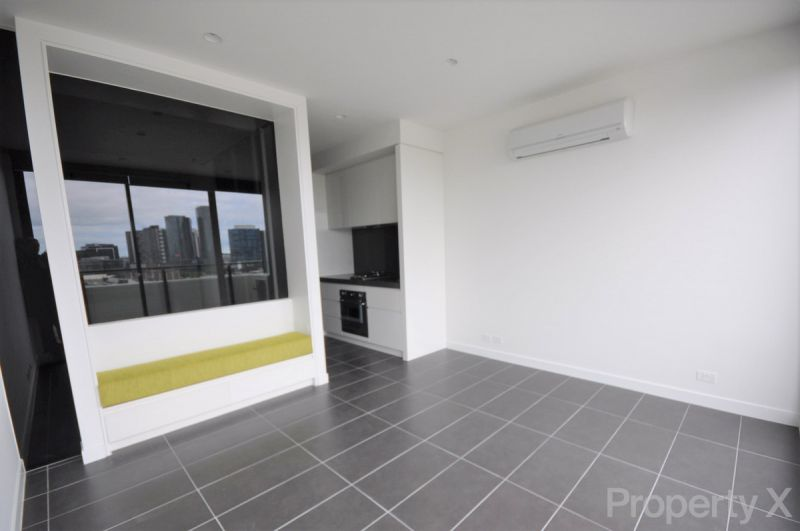 NOW LEASING - AFFORDABLE PENTHOUSE ONE BEDROOM!