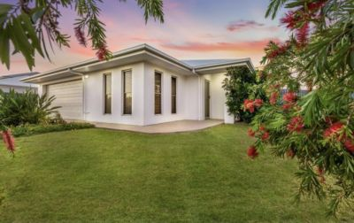 Contemporary House - Modern build in great subdivision.