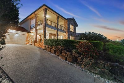 Impressive family home with an abundance of space and panoramic views