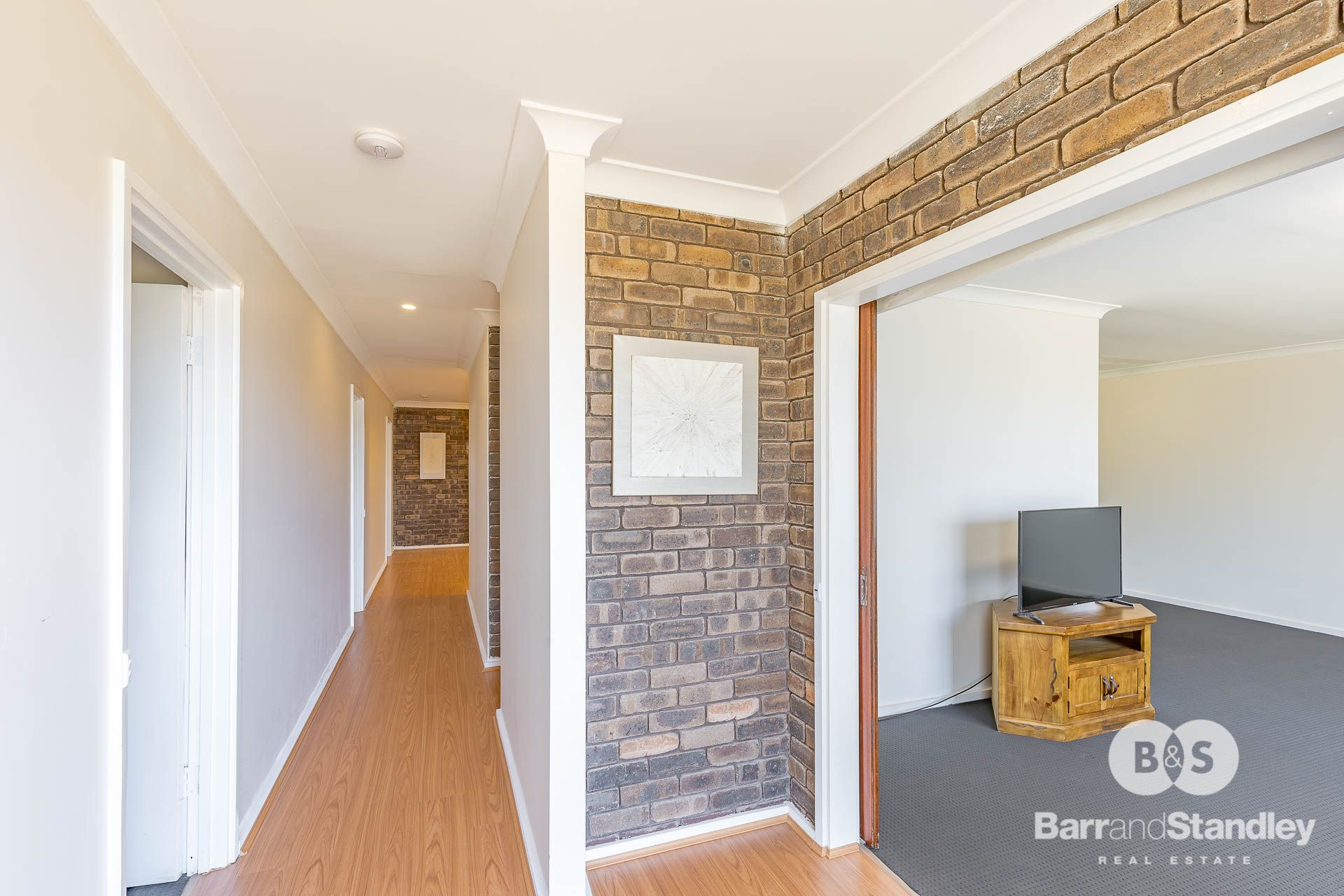 12 Argyle Avenue, Withers