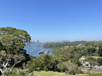 Spacious 2 large bedrooms with open harbour view