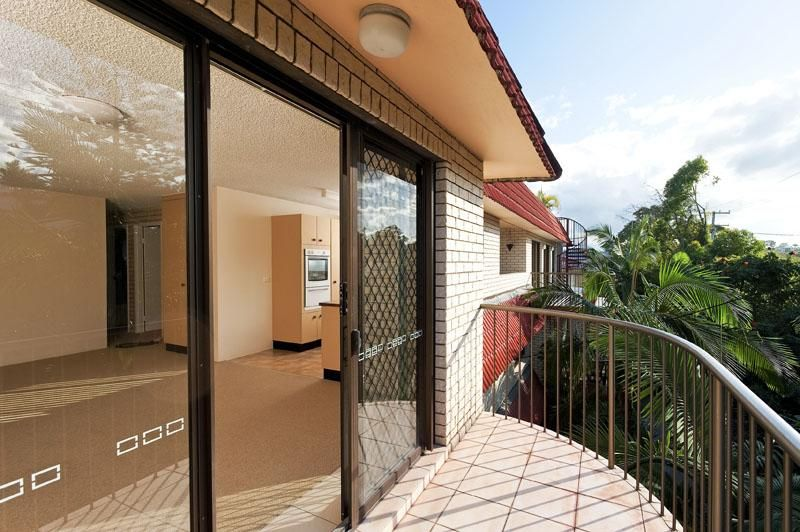 ROOF TOP LIVING - EXCEPTIONAL OPPORTUNITY  PRICED TO SELL