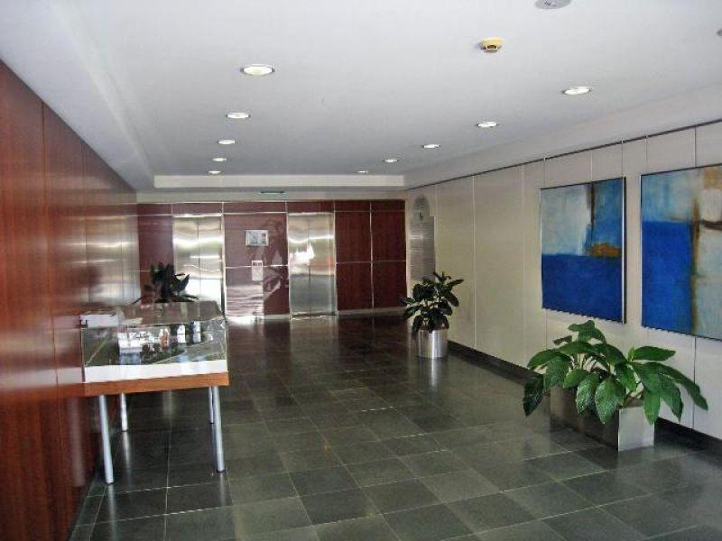 Modern Office-Contemporary Corporate Centre
