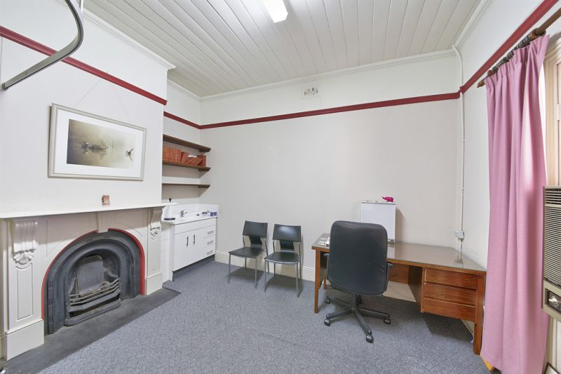 CHARMING COMMERCIAL MEDICAL COTTAGE IN CENTRAL CAMDEN