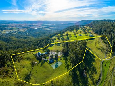 Prestigious home on 20 acres with commanding views